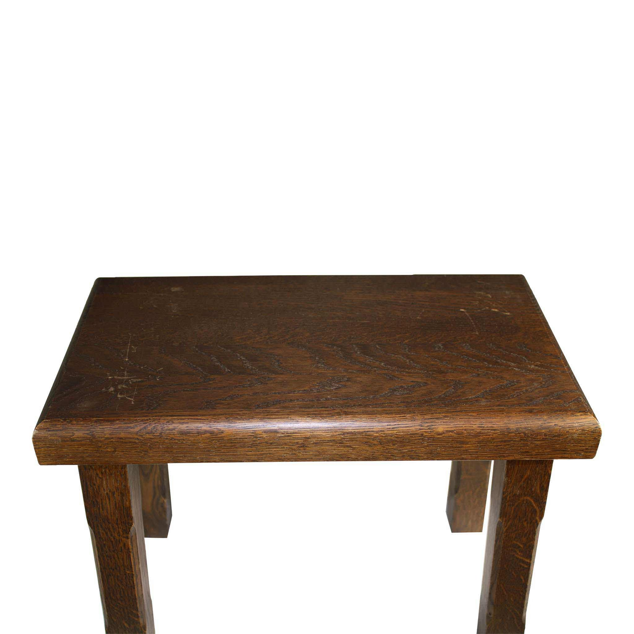Oak Nesting Tables