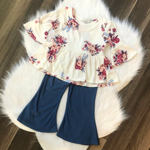 Bell Sleeve Top (Bailey's Blossoms)