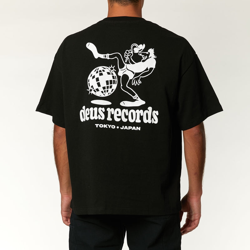 Globe Trot Tee - Phantom Black