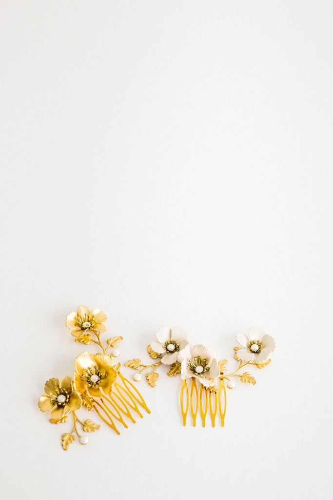 Close up of a hair comb made of gold leaves and flowers