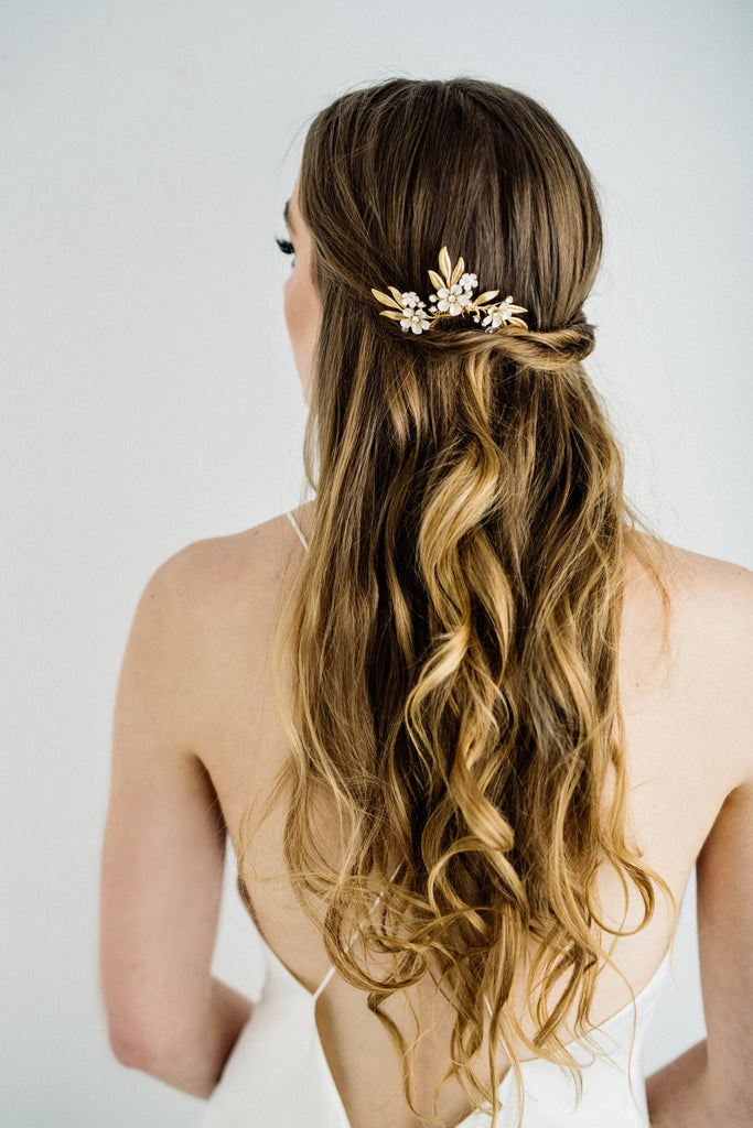 Bride wearing a hair pin tiara in back of hair