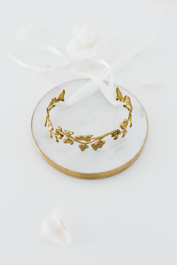 Bracelet made of gold leaves