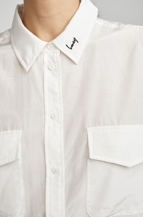HABUTAI BOYFRIEND SHIRT WITH HONEY COLLAR