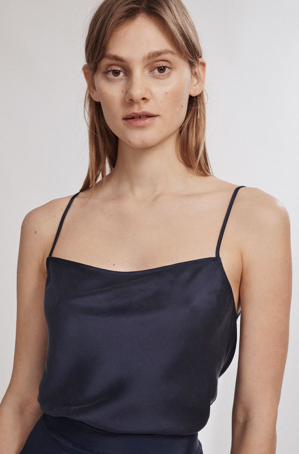 STRAIGHT NECK CAMI NAVY