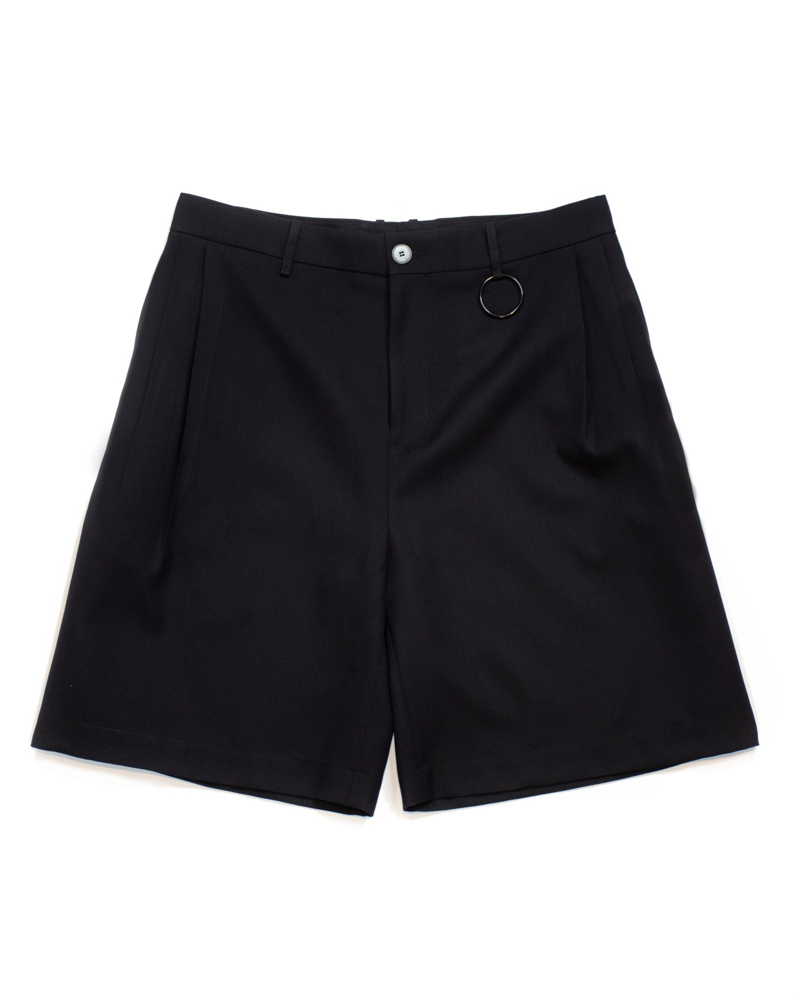 PLEATED BASKETBALL SHORT