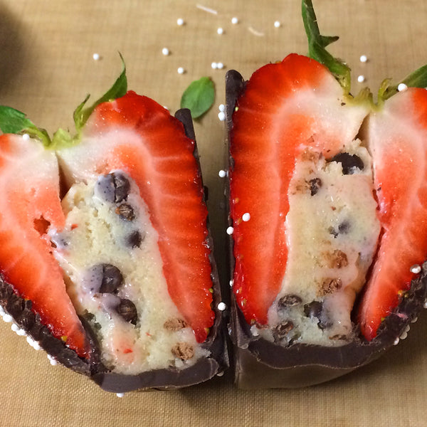 *PRE-ORDER* Chocolate Dipped Cannoli Stuffed Strawberries (STORE PICKUP ONLY)