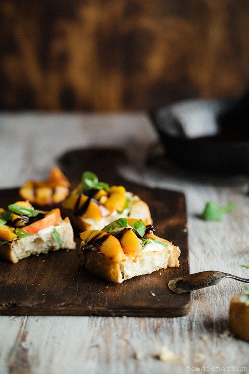 Crostini with peaches, soft cream & balsamic