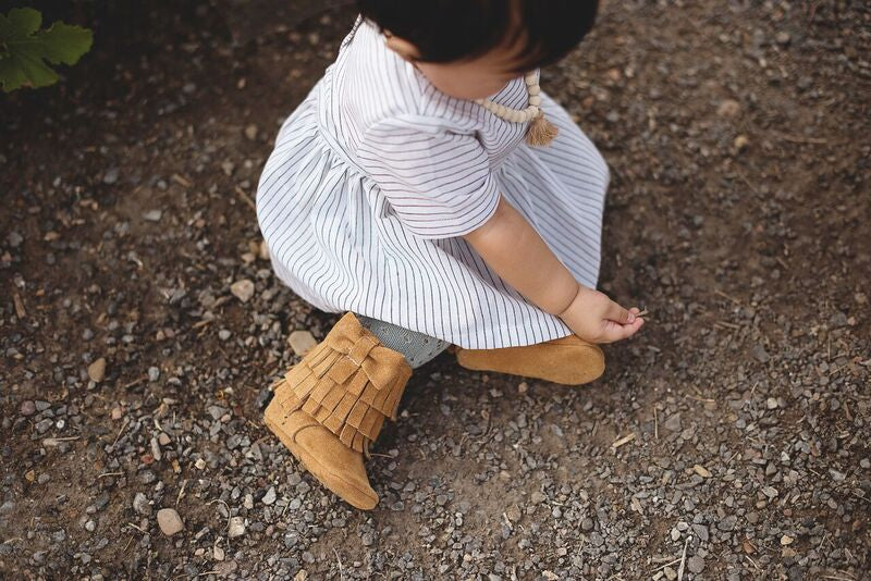 Three Layer Bow Boots Caramel Suede
