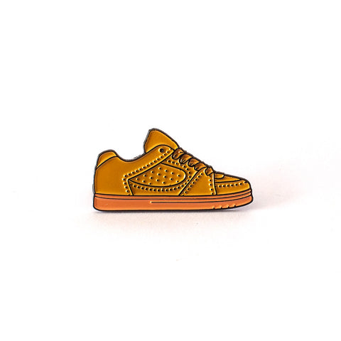 éS Accel Lapel Pin in Brown / Brown