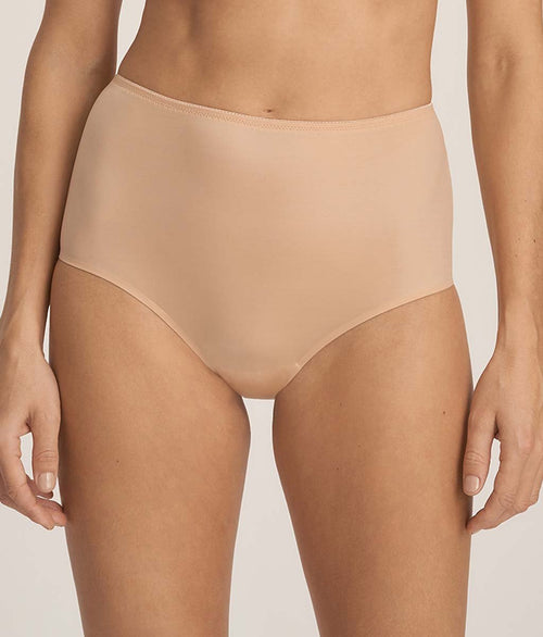 PrimaDonna 'Every Woman' (Light Tan) Full Brief - Sandra Dee - Model Shot - Front