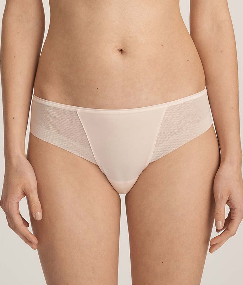 PrimaDonna 'Every Woman' (Pink Blush) Thong - Sandra Dee - Model Shot - Front