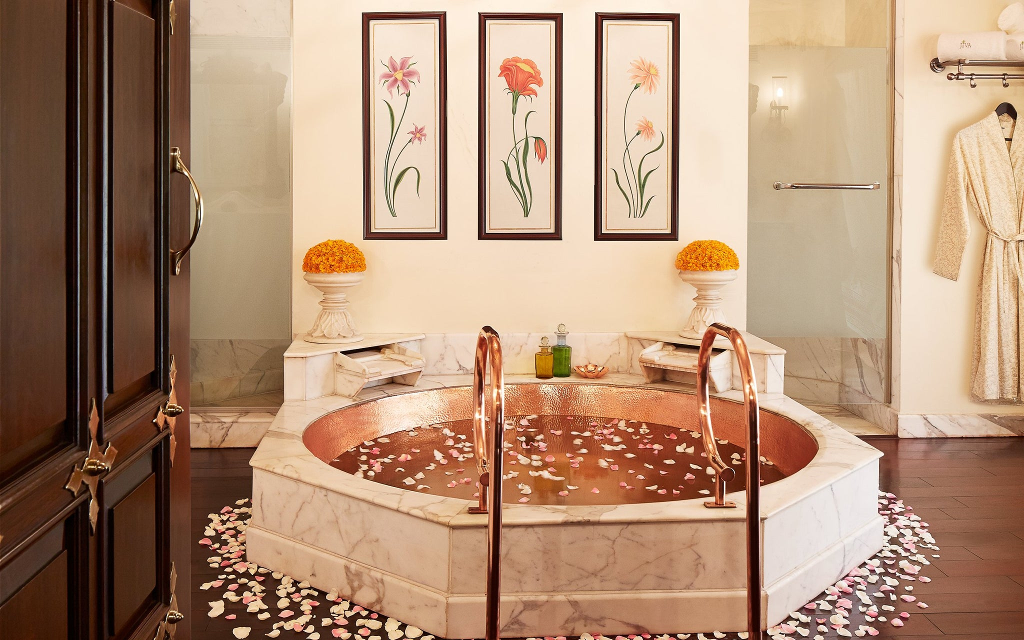 Malavara Top Luxury Ayurveda Retreats - Rambagh Palace Jacuzzi