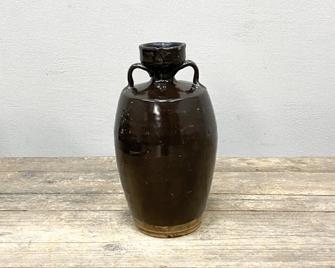 Large wine pot