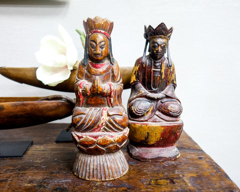 Wooden statue of sitting ancestor / deity with crown