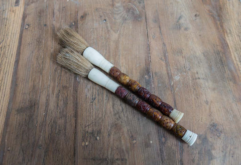 Animal haired calligraphy brush with braided pattern - SERES Collection - 1