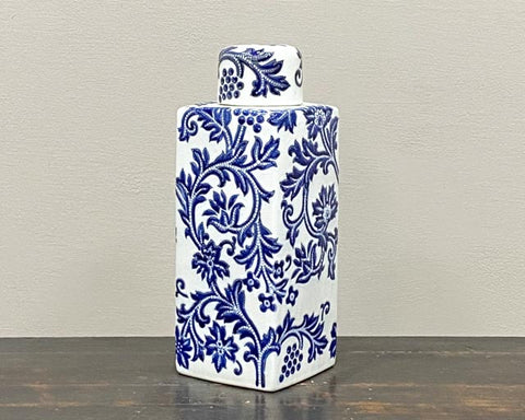 Blue-white straight pot with lid
