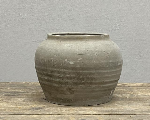 Rural grey pot