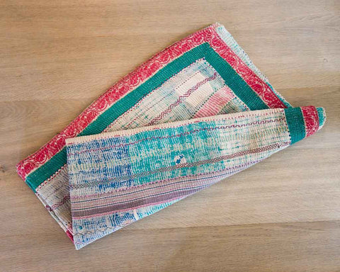 Kantha throw - old white/pink/turquoise - SERES Collection  - 1