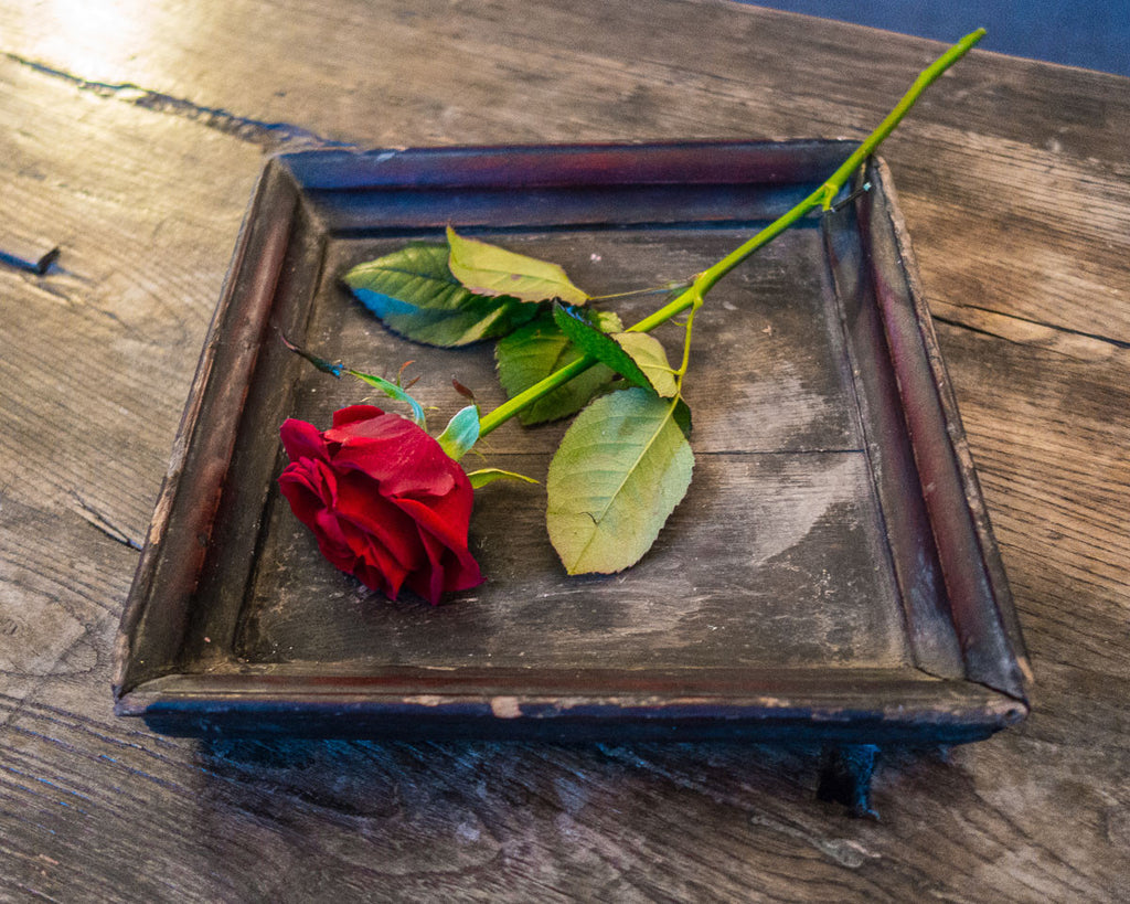 Weathered small lacquerwork tray - Asian table decorations