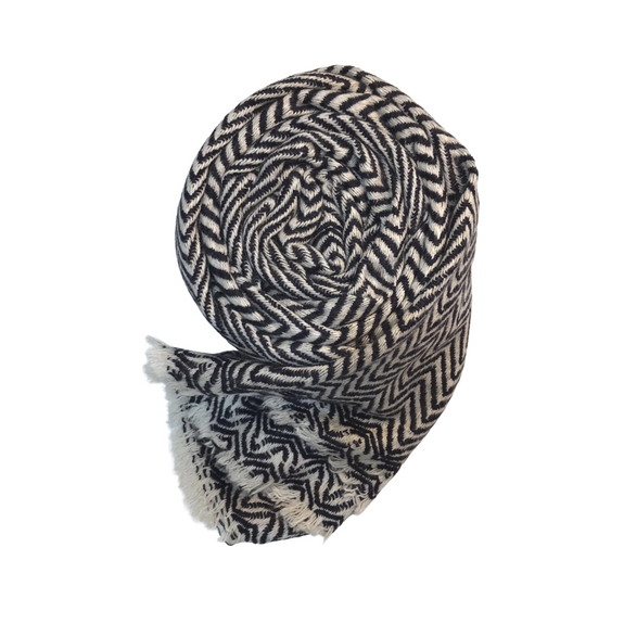 Midnight blue chevron patterned cashmere scarf - Dilli Grey