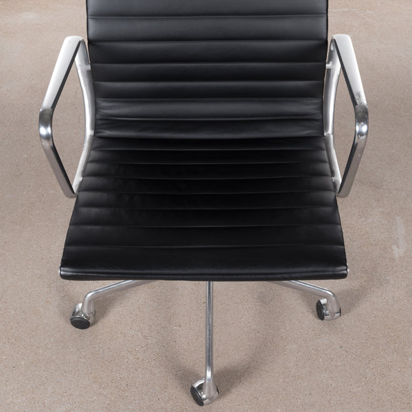 Charles & Ray Eames EA337 Black leather