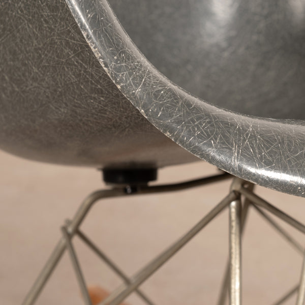 Eames RAR Elephant Hide Grey