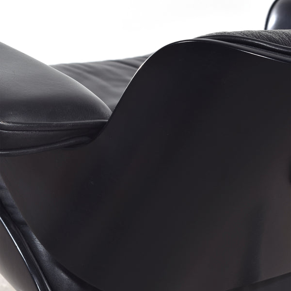 Eames Lounge Chair Black (1)