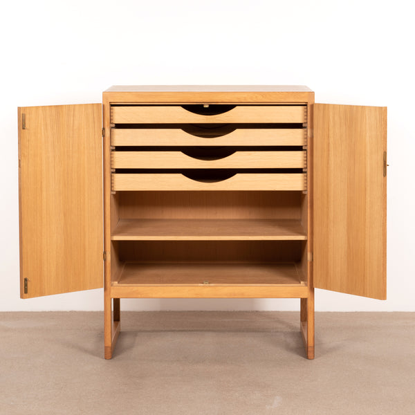 Børge Mogensen cabinet BM58 oak and brass
