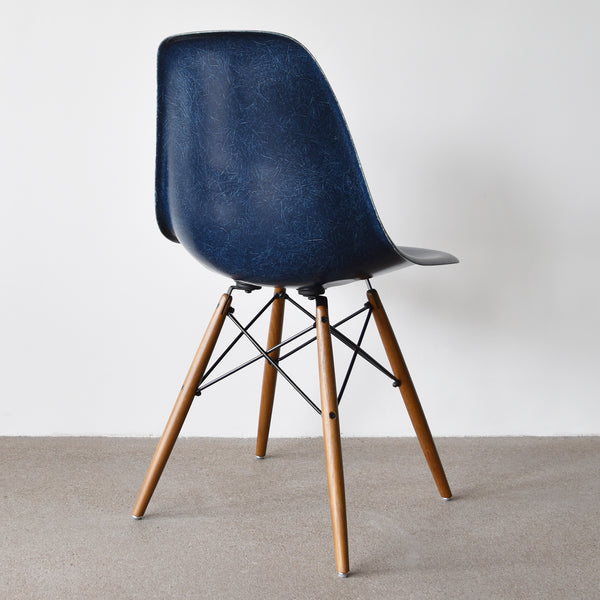 Eames DSW Navy Blue
