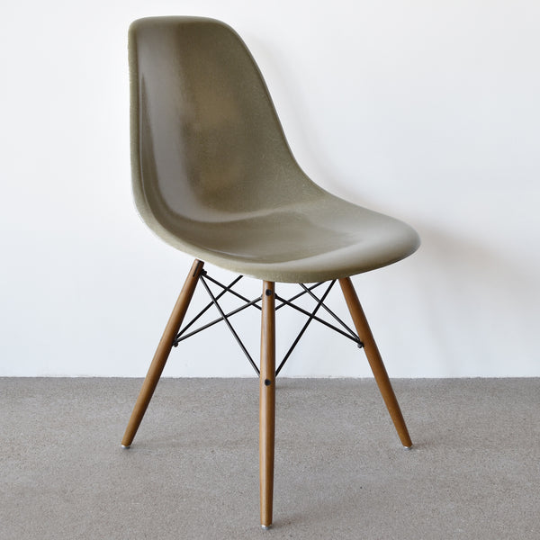 Eames DSW Raw Umber