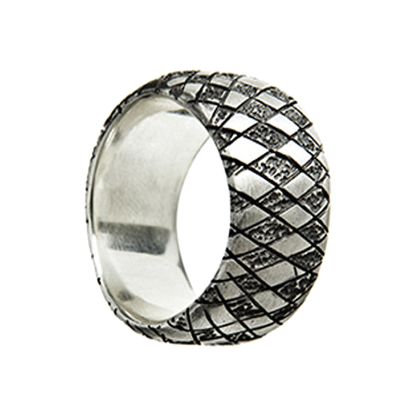 Chequered Silver Curved Ring
