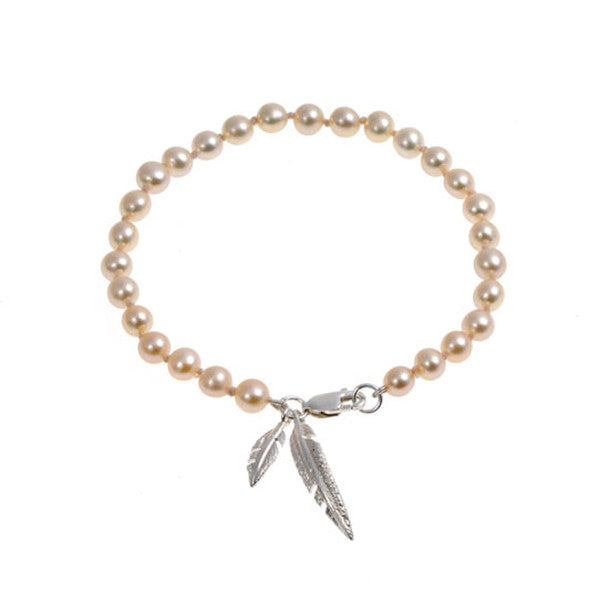 Feathers Silver Bracelet with Salmon Pearls