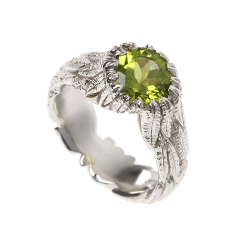 Feathers Silver Ring with Peridot