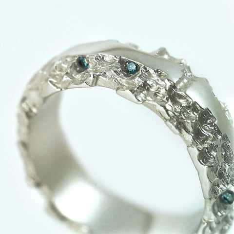 Luna 18ct White Gold 6mm Band with Blue Diamonds