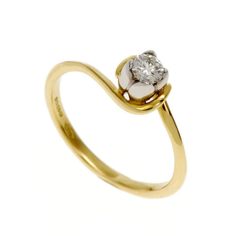 Tulip 18ct solitaire ring
