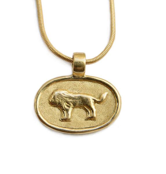 Classic Oval Lion 18K Gold Pendant Necklace