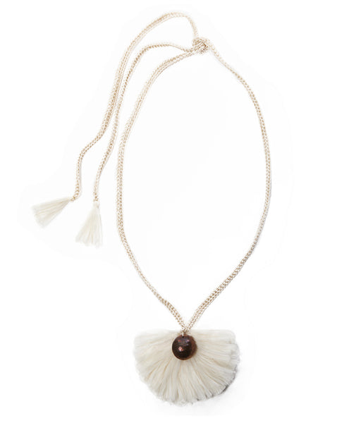 Cream Buleta Real Necklace
