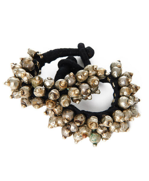 Metal Beaded Black Thread Thakur Spike Bracelet