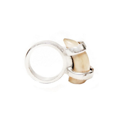 Small Toggle Cowhorn Ring
