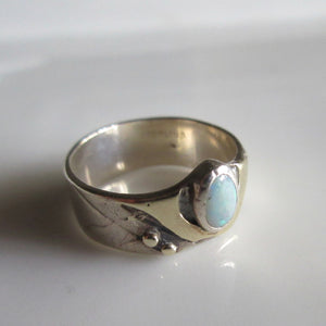 Vintage Sterling Silver & Opal Ring