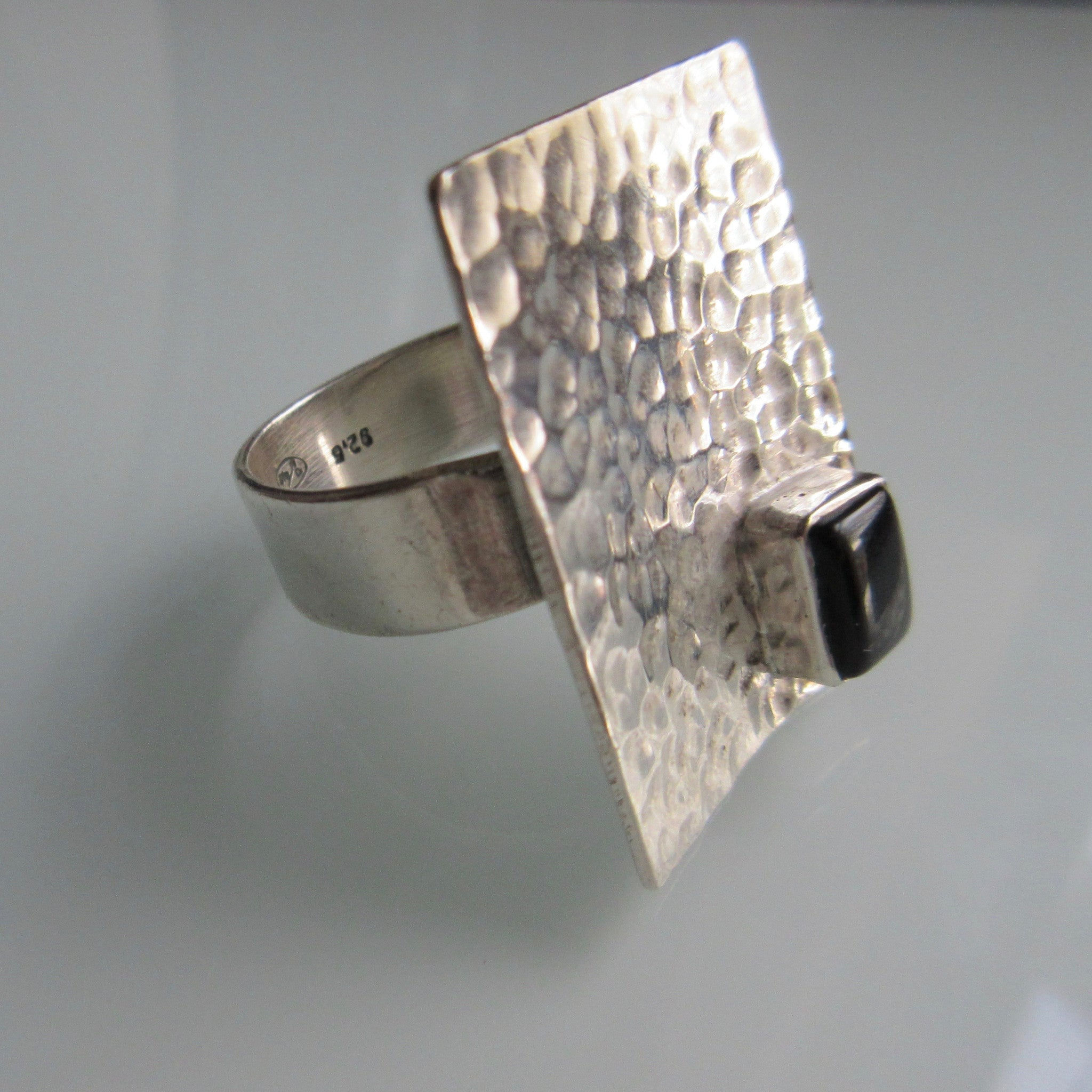 Modern Hammered Silver Ring with Onyz inset