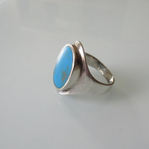 Mid Century Turquoise and Sterling Silver Ring