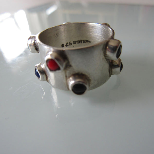 Vintage Sterling Silver Raised Stone Band Ring