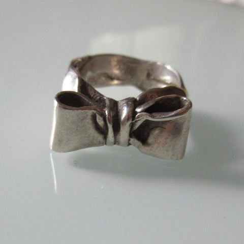 Bow Sterling Silver Ring