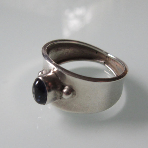 Vintage Small Onyx Sterling Silver Band Ring