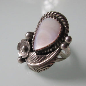 Navajo Willie Shaw Mother of Pearl Silver Ring