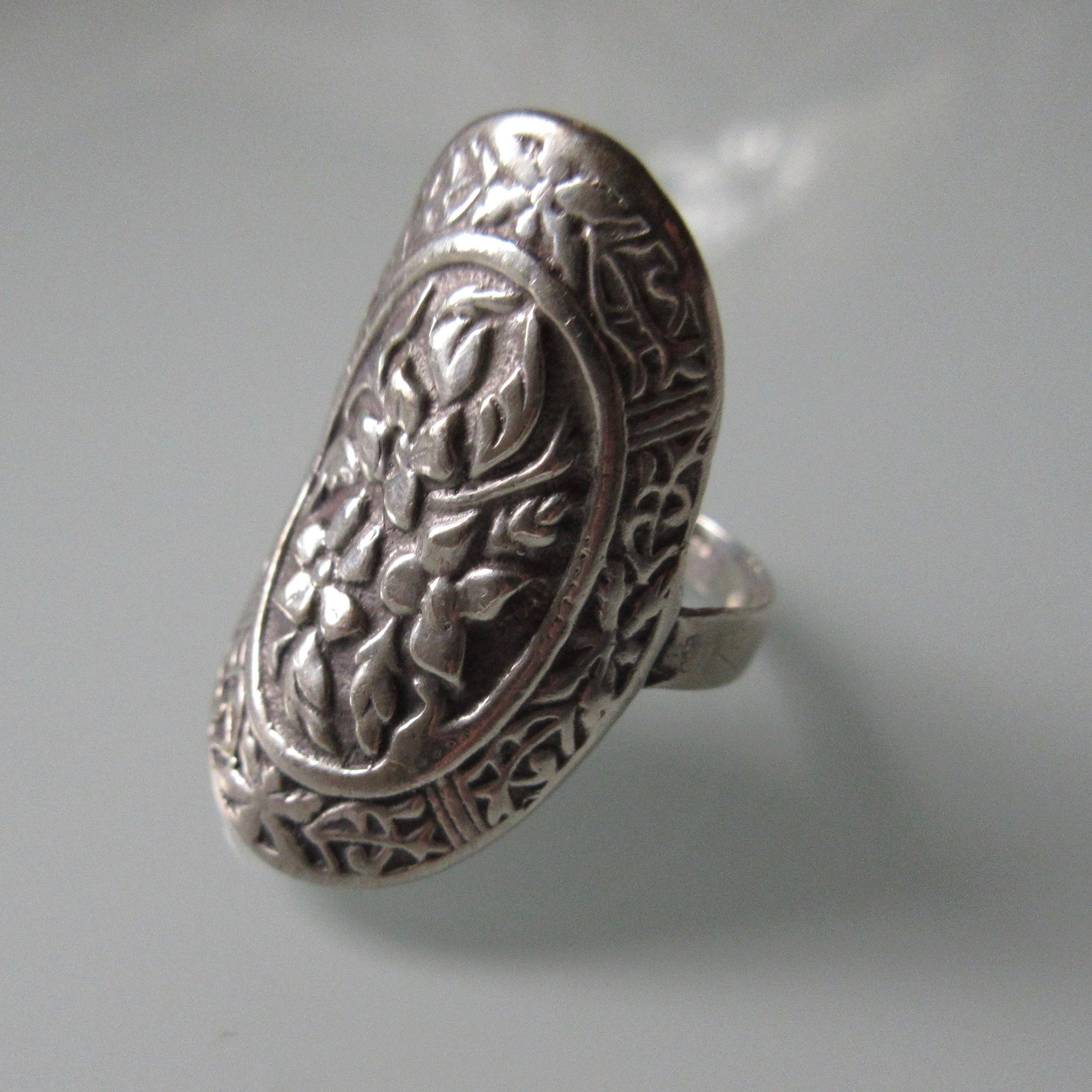 Vintage Sterling Silver Repousee Floral Ring