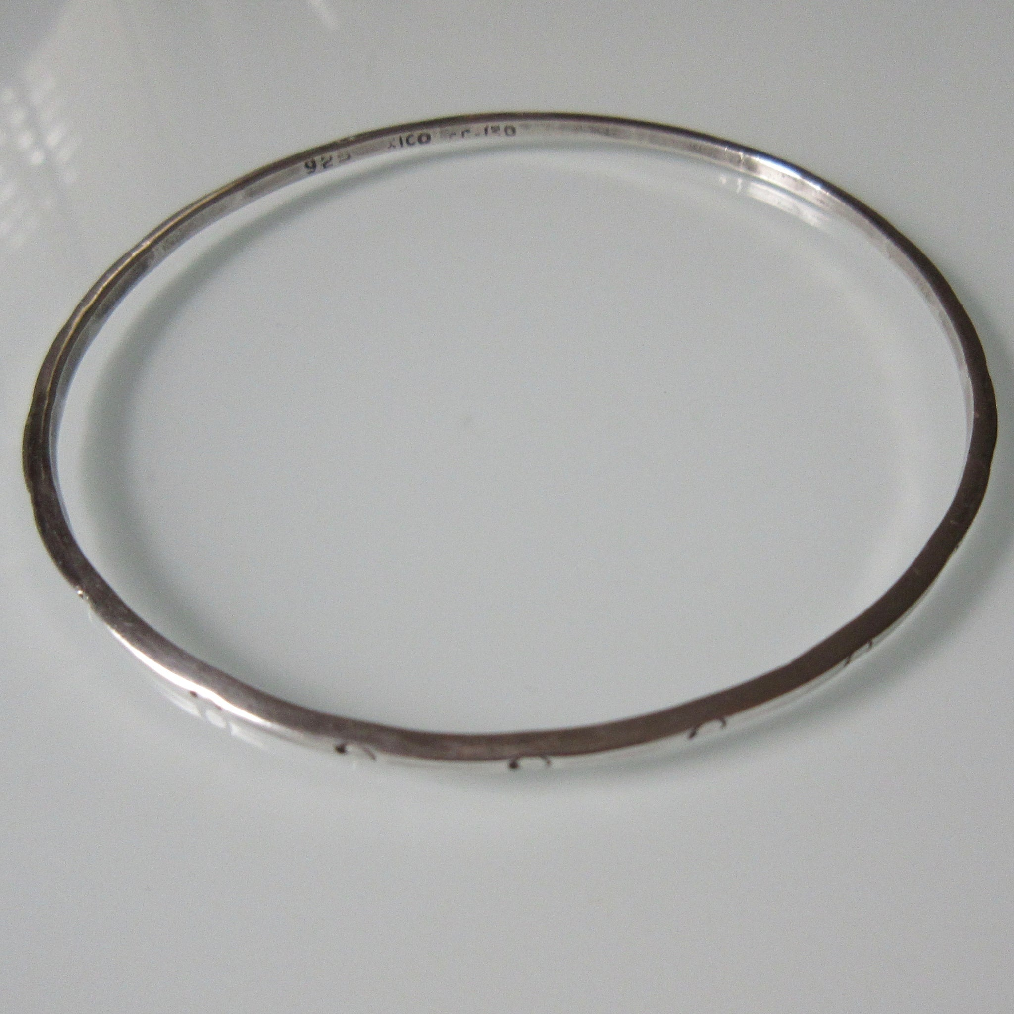 Vintage Recessed Circle Sterling Silver Bangle