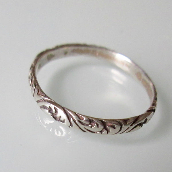 Delicate Ancanthus Leaf Sterling Silver Ring