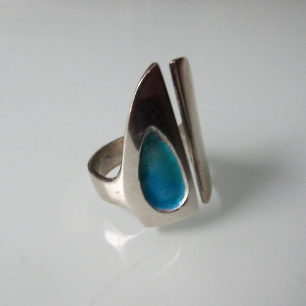 Mid Century Modern Ring With Enamel Inset